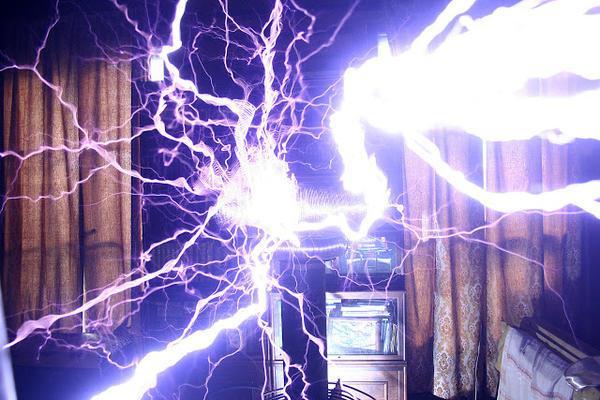 ученый электричество