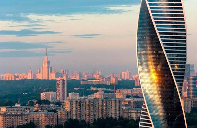 Одна из башень Москва-Сити