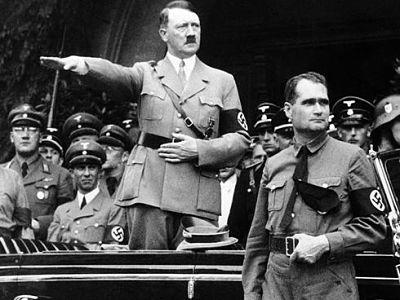 Экскурс в историю: почему Гитлер не любил евреев и устроил геноцид