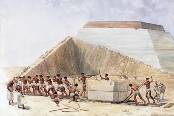 Постройка первой пирамиды